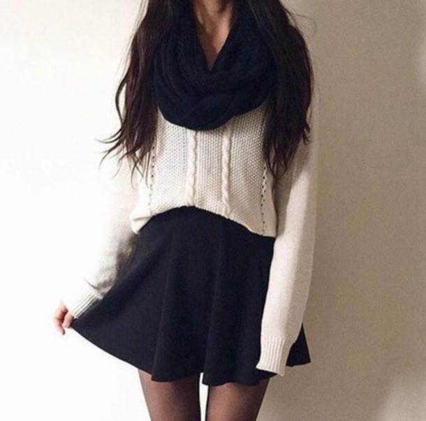 spodnica rozkloszowana dzianinowa i luzny gruby sweter