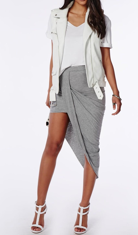 spodnica-asymetryczna-z-dluzszym-bokiem