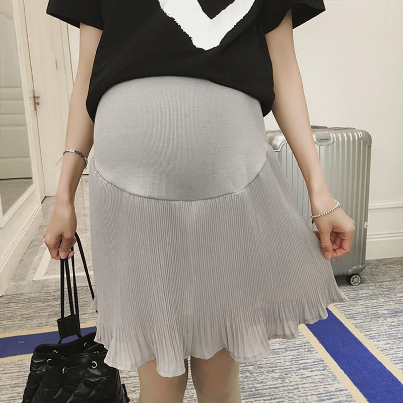 spódniczka ciążowa z odznaczonym brzuchem