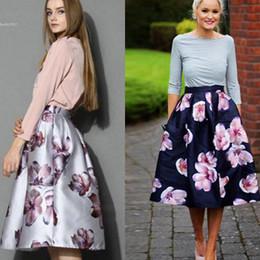 elegancka spodnica midi motyw kwiatowy