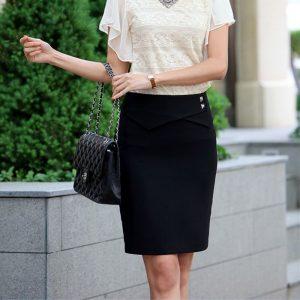 Klasyczny zestaw damski - biała bluzka czarna ołówkowa spódnica